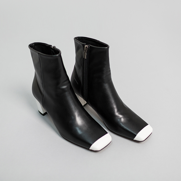 (SH-2513) White key point ankle boots