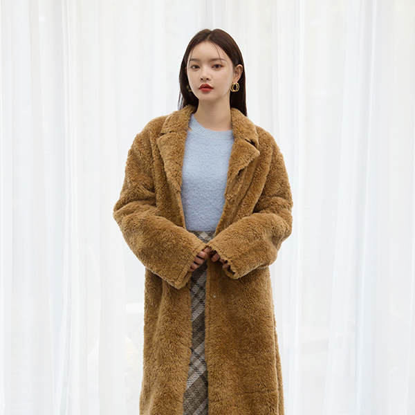 (CT-1126) Fake Fur Bear Long Coat