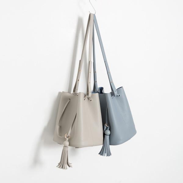 (B-1898) feminine tassel Strap Bag