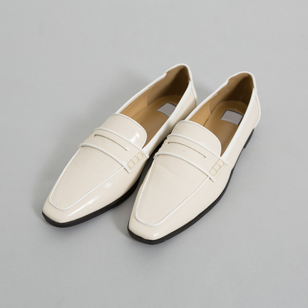 (SH-2605) line Classic Loafers