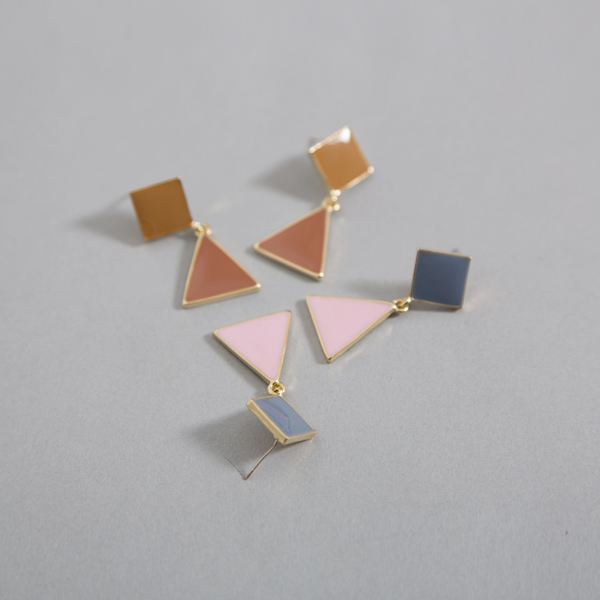 (E-1281) Triangle object earring