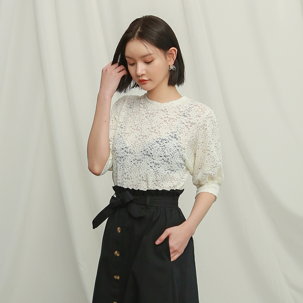 (T-4636) Puff Sleeve lace Tee