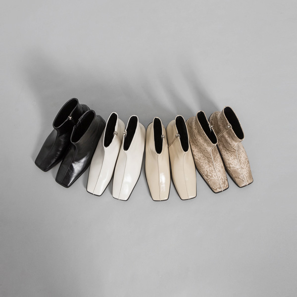 (SH-2838) Square minimal Flat Ankle Boots