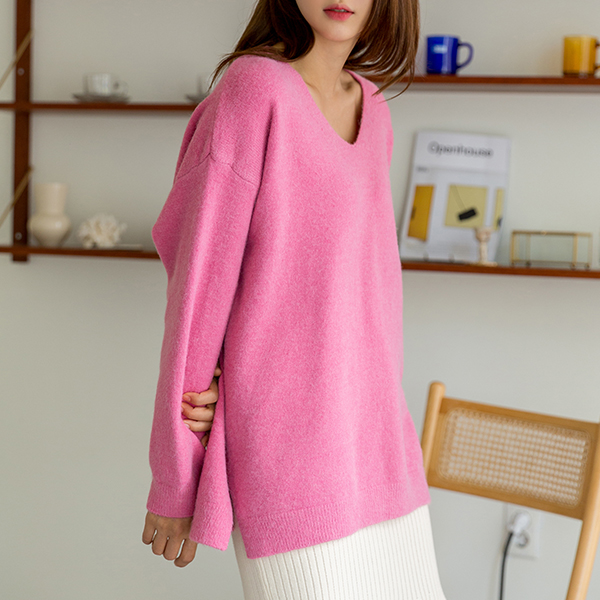(T-5003) Soft Touch V-neck Knit