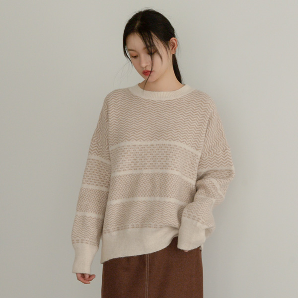 (T-5105) Zigzag Patterns Rouge Knit